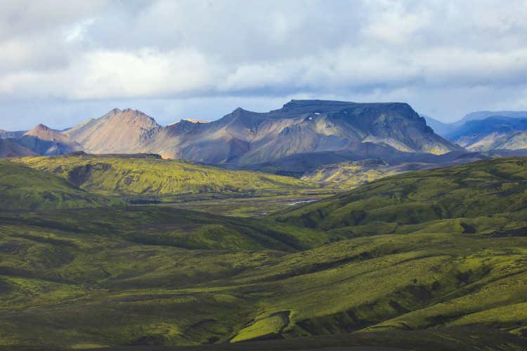 5-7-deystvuyushchikh-vulkanov-v-islandii
